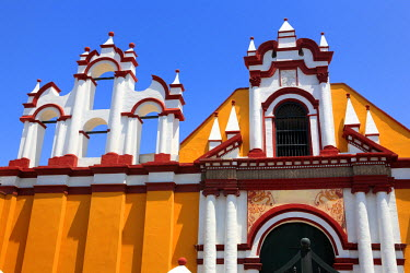 PU02107 Church facade, Plaza de Armaz, Trujillo, Peru