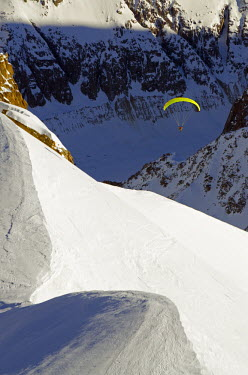 FRA7570 Europe, France, French Alps, Haute-Savoie, Chamonix, paraglider in the Valle Blanche off piste ski area