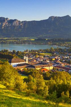 AU04219 Sunset over idyllic landscape, Mondsee, Mondsee Lake, Salzkammergut, Austria