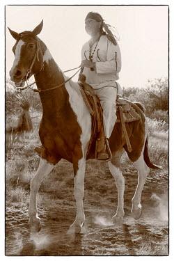 USA8523AW Apache Indian, Apache Spirit Ranch, Tombstone, Arizona, USA MR