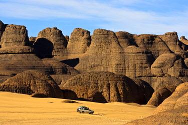HMS0313458 Algeria, Sahara, Tassili of Hoggar (Ahaggar Mountains), rock pillars of Tagrera