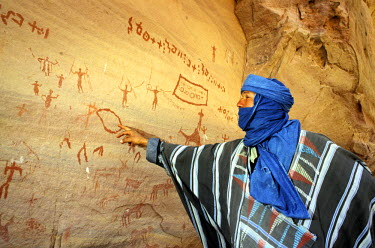 HMS0063716 Algeria, Sahara area, Tassili n'Ajjer, rock paintings (about 10, 000 years old) in Aman Samedine valley