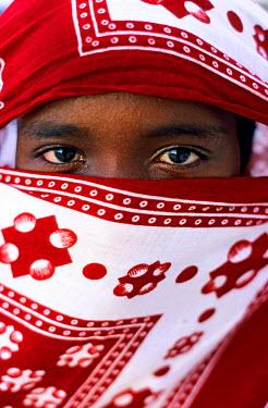 HMS0107267 Comoros Republic, Grande Comore island, woman veiled with a chiromani