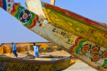 HMS0309511 Mauritania, Nouadhibou, decorated fishing boat along the coast, near Nouamghar, in Banc d'Arguin national park, near Nouadhibou
