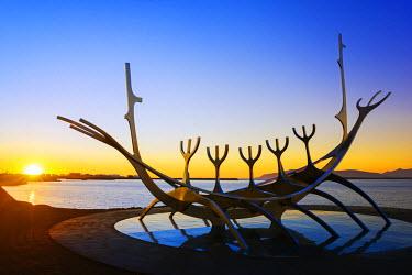 ICE3219 Iceland, Reykjavik, Solfar (Sun Voyager), iconic stainless-steel modern sculpture representing a Viking longboat by Jon Gunnar Arnason