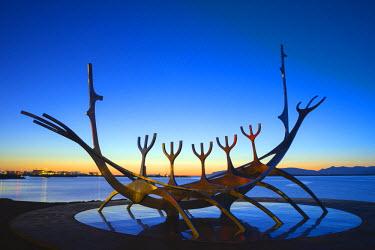 ICE3223 Iceland, Reykjavik, Solfar (Sun Voyager), iconic stainless-steel modern sculpture representing a Viking longboat by Jon Gunnar Arnason