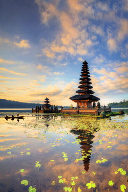 ID01325 Indonesia, Bali, Bedugul, Pura Ulun Danau Bratan Temple on Lake Bratan