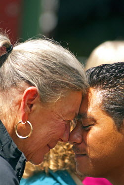 AU02DNY0009 New Zealand. A hongi is a traditional Maori greeting in New Zealand.