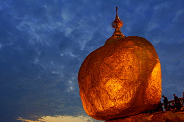 MYA1512 Myanmar, Burma, Mon State, Mt Kyaiktiyo. Mt Kyaiktiyo, or Golden Rock as it is popularly known, due to the continual application of gold leaf by male pilgrims, is one of Burma's most celebrated pilgri...