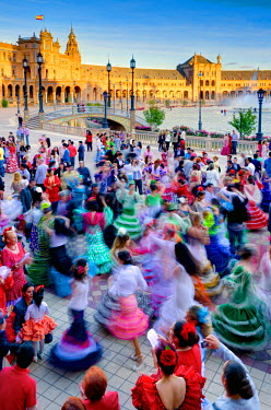 ES05934 Spain, Andalucia, Seville Province, Seville, Parque de Maria Luisa (Maria Luisa Park), Plaza de Espana