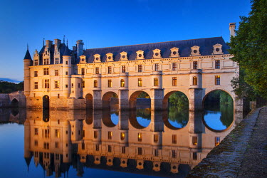 EU09BJN0141 Twilight over Chateau Chenonceau and River Cher, Indre-et-Loire, Central France