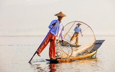 MYA1590AW Traditional Intha fishermen on Inle Lake, Burma/ Myanmar