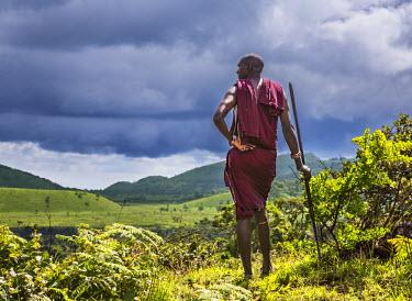 KEN8045 Kenya, Kajiado County; Chyulu Hills. A Maasai guide in the Chyulu Hills.