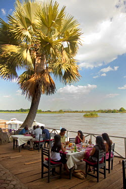 SSU0002AW Juba, South Sudan. Restaurant on the banks of the river Nile.