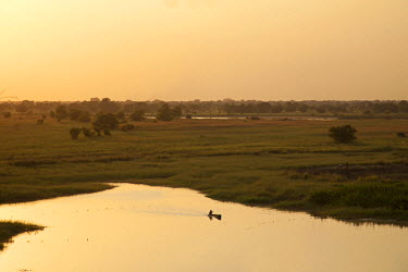 SSU0018AW Northern Bahr el Ghazal, South Sudan.  Fishing in the swamps.