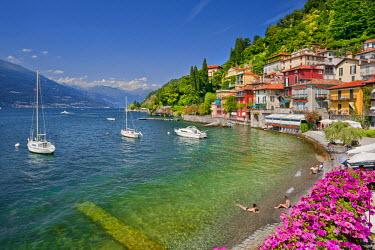 ITA1984AW Italy, Lombardy, Como district. Como Lake, Varenna.