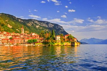 ITA1989AW Italy, Lombardy, Lecco district. Como Lake, Varenna.