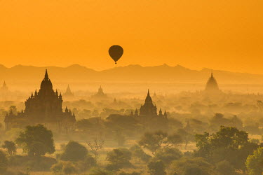 MYA1654AW Bagan at sunset, Mandalay, Burma (Myanmar)