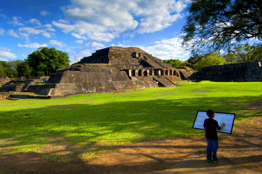 EL01080 Tazumal Mayan Ruins, Located In Chalchuapa, El Salvador, Main Pyramid, Pre-Colombian Archeological Site, Most Important And Best Preserved Mayan Ruins In El Salvador, Tazumal Translates To 'The Place...