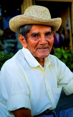 EL01092 Suchitoto, El Salvador, Resident, Main Plaza, Historic Colonial Town, Artist Haven, Department Of Cuscatlan
