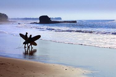 EL01112 Playa El Tunco, El Salvador, Pacific Ocean Beach, Popular With Surfers, Great Waves, Named After The Rock Formation