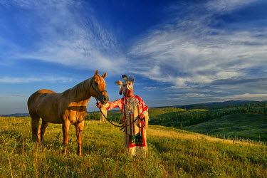USA8684AW Lakota Indian in the Black Hills with Horse, Western South Dakota, USA. MR
