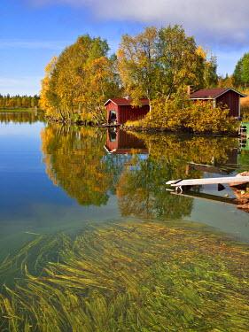 HMS0353744 Finland, Lapland Province, Muonio, Pallas Yllastunturi National Park, Sarkijarvi Lake, in Autumn locally called ruska
