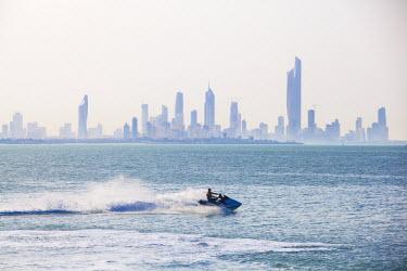 KW01096 Kuwait, Kuwait City, Salmiya, Arabian Gulf and City skyline looking towards Al Hamra Tower