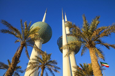 KW01136 Kuwait, Kuwait City, Sharq, Kuwait Towers on Arabian Gulf Street