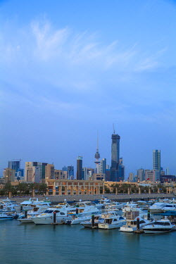 KW01138 Kuwait, Kuwait City, City view from Souk Shark Shopping Center and Marina