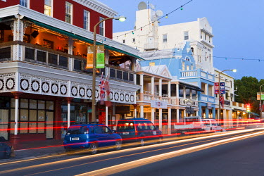 BU01073 Bermuda, Hamilton, Front Street, Colourful buildings along Hamilton's main street