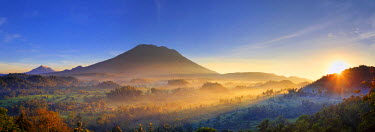 ID01504 Indonesia, Bali, Sidemen, Sidemen Valley and Gunung Agung Volcano