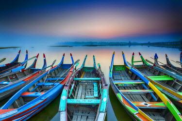 BM01313 Sunrise, Amarapura, Mandalay, Burma, Myanmar