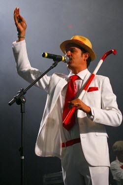 BRA2003AW South America, Brazil, Pernambuco, Recife, carnival, Siba playing at the carnaval