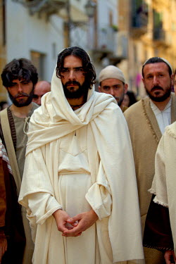 ITA2242 Italy, Sicily, Marsala, Holy week pageant in the historical centre of Trapani on Maundy Thursday or Giovedi Santo