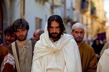ITA2243 Italy, Sicily, Marsala, Holy week pageant in the historical centre of Trapani on Maundy Thursday or Giovedi Santo