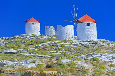 GRE0581AW Traditional windmills, Hora, Amorgos Island, Cyclades Islands, Greece, Europe