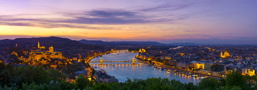 HU01378 Elevated view over Budapest & the River Danube illuminated at sunset, Budapest, Hungary