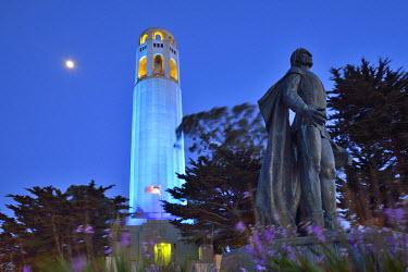 USA8800AW Coit tower and Christopher Columbus statue at night, San Francisco, USA