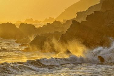 USA8829AW Waves crashing on shoreline,Pfeiffer State Park, Big Sur, California,USA