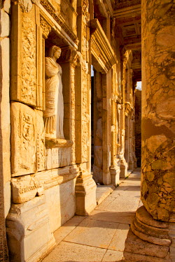 AS37BJN0009 Ruins of the Library of Celsus in ancient city of Ephesus, near Selcuk, Turkey.