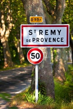 EU09BJN0406 Entry sign to Saint Remy de-Provence, France.