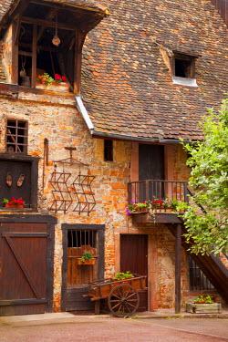 EU09BJN0442 Village street scene in Colmar, along the Wine Route, Alsace, Haut-Rhin, France.