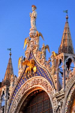 EU16BJN0017 Ornate details on Basilica San Marco, Venice, Veneto, Italy.