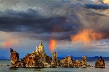 US05BJY0117 USA, California, Mono Lake. Rainbow and storm clouds over the lake.