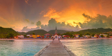 FW03022 Caribbean, Martinique, Les Anse d'Arlet Village