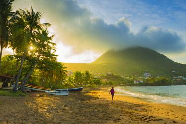 FW03042 Caribbean, Martinique, Les Anse d'Arlet, Petite Anse, Sunsrise