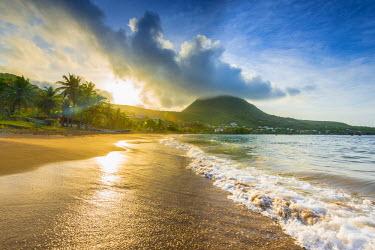 FW03044 Caribbean, Martinique, Les Anse d'Arlet, Petite Anse, Sunsrise
