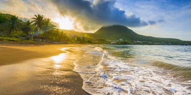 FW03043 Caribbean, Martinique, Les Anse d'Arlet, Petite Anse, Sunsrise