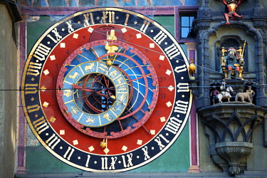 SWI7075 Europe, Switzerland, Bern, Swiss capital city,  Zytglogge astronomical clock